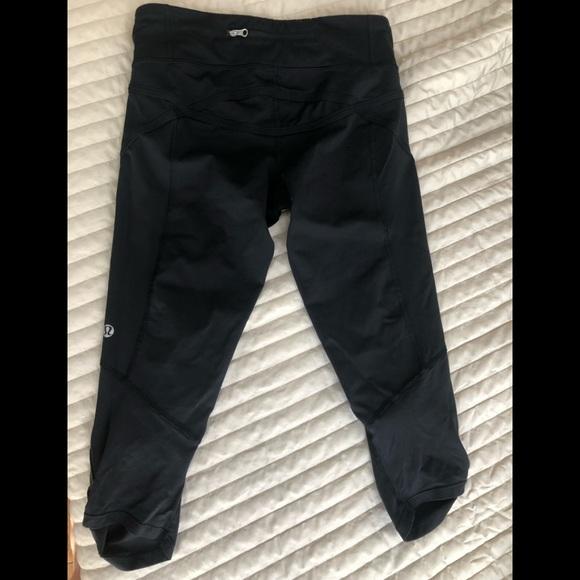 e10b03a5b6 lululemon athletica Pants - Lululemon Athletica Capri Knee Length Leggings 4
